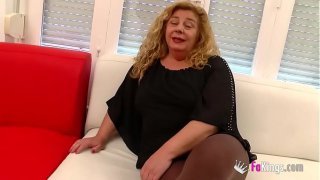 Chubby MILF has a threesome with Ainara and Jordi '_cause she wants to feel young again