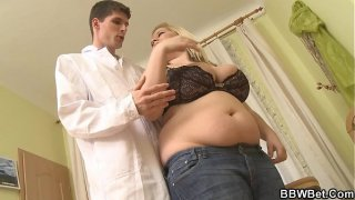Chubby blonde bbw calls doc to help her